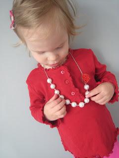 SodaPop Designs Flower Necklace