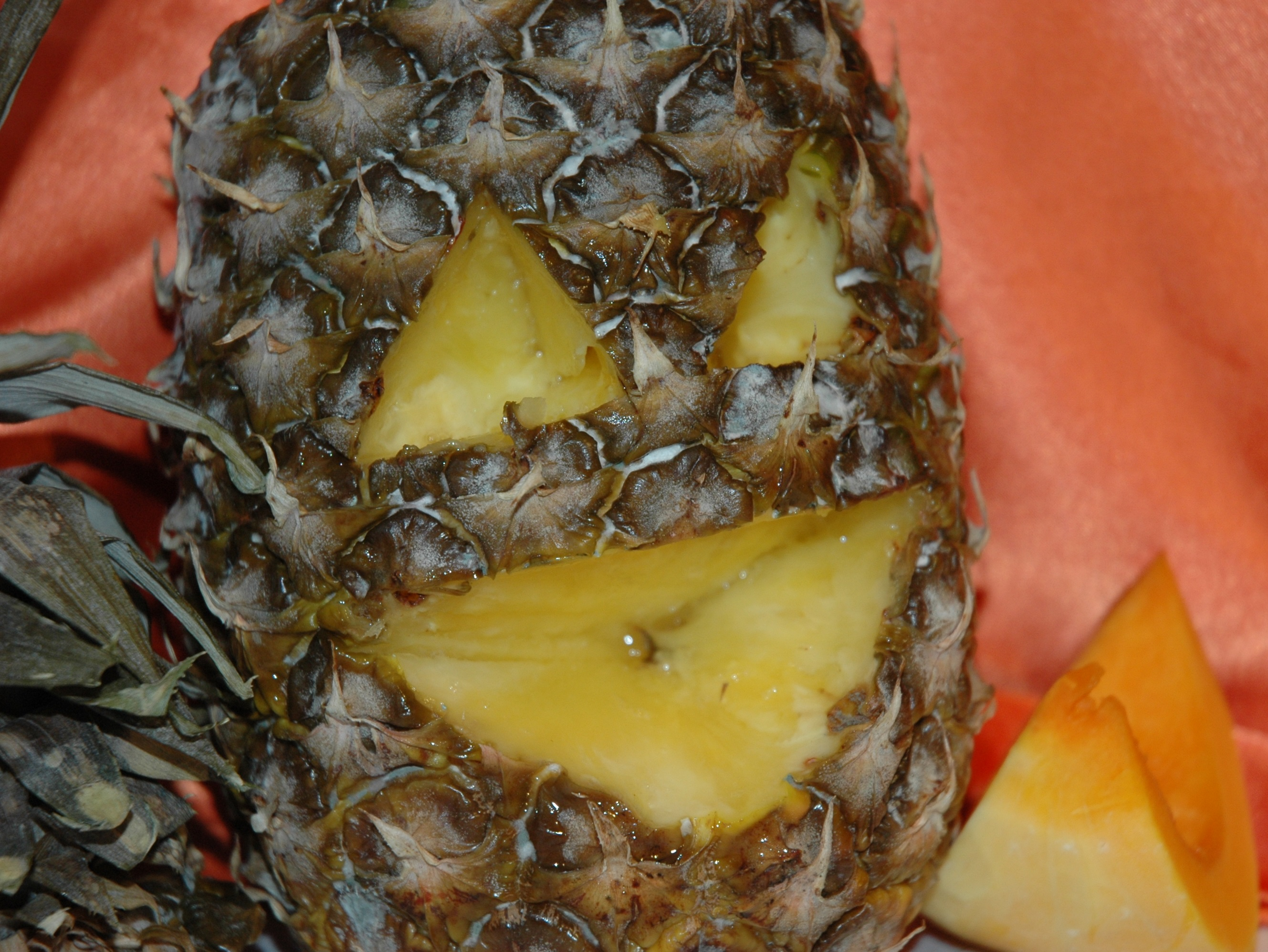 halloween carving pineapples