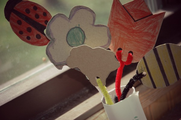 Mothers Day Flower Bouquet Craft for Kids Final