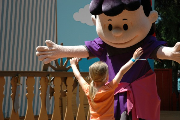 Canadas Wonderland Meeting Lucy