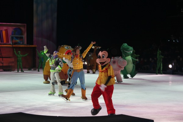 Disney On Ice Worlds of Fantasy