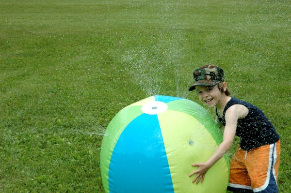 Canada Day-Giant Tiger-Inflatable Sprinkler Ball