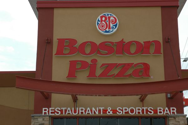 Boston Pizza Kids Card1