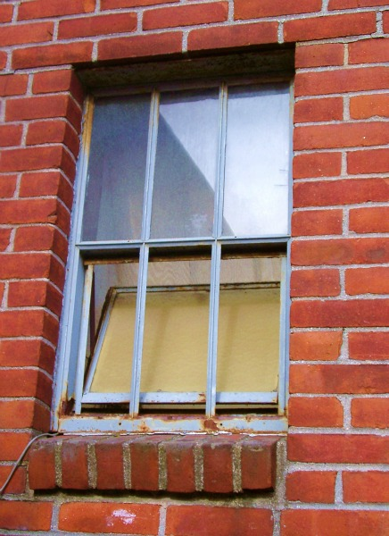 Stock-Window Grate